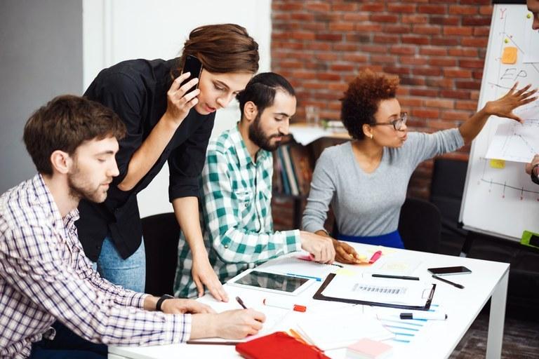 Evropska sredstva za podjetniško usposabljanje v Primorsko-notranjski in Pomurski razvojni regiji